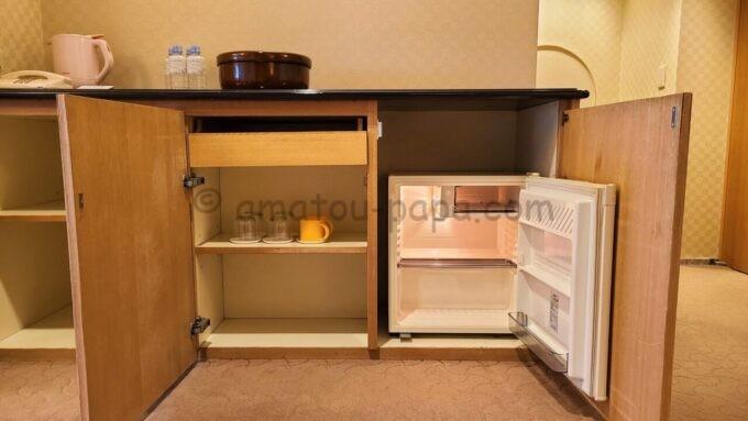 ホテルオークラ東京ベイの和室スイートルームの冷蔵庫