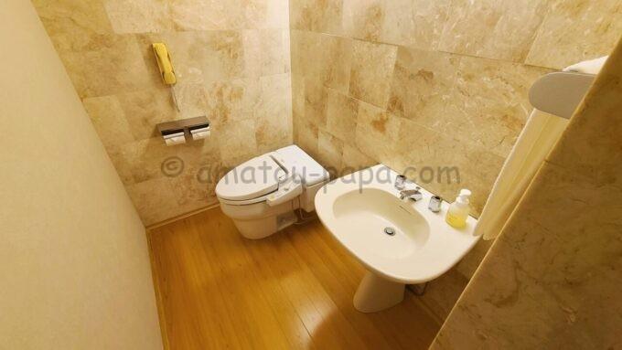 ホテルオークラ東京ベイの和室スイートルームのトイレ