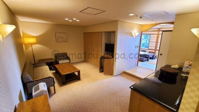 ホテルオークラ東京ベイの和室スイートルーム雰囲気(洋室)