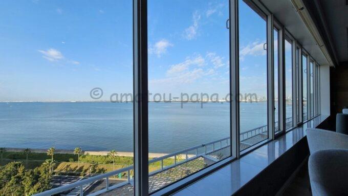 グランドニッコー東京ベイ 舞浜のニッコーラウンジからの眺望(海側)