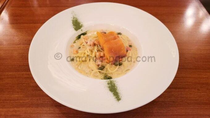 イーストサイド・カフェのスペシャルセットの「スパゲッティーニ、サーモンのクリームソース」