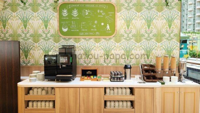 グランドニッコー東京ベイ舞浜のコーヒーメーカーとシリアル