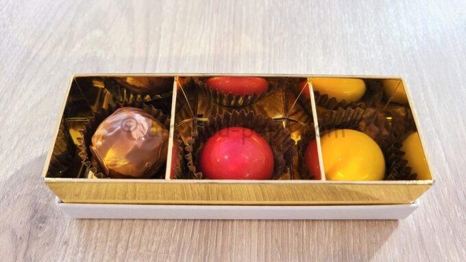 グランドニッコー東京ベイ舞浜のニッコーデラックスファミリールームのウェルカムギフト(チョコレート)