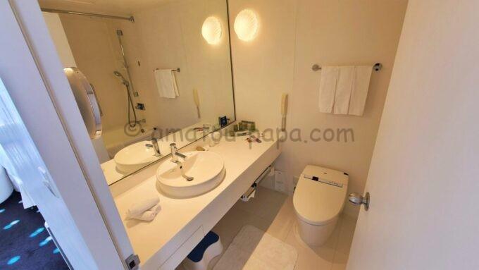 ヒルトン東京ベイのセレブリオスイート(ベッドルーム)の洗面所