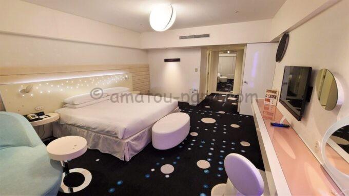 ヒルトン東京ベイのセレブリオスイート(ベッドルーム)の雰囲気