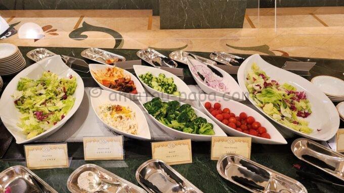 シャーウッドガーデン・レストランのサラダ