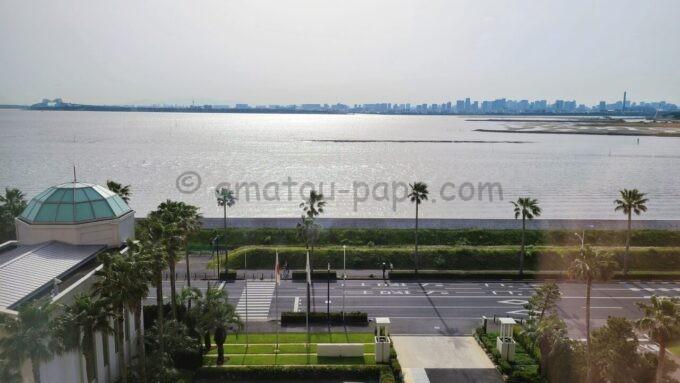 東京ベイ舞浜ホテルのハーモニールームからの眺望(東京ゲートブリッジ方面)