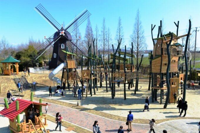 安城産業文化公園デンパークの風車の広場