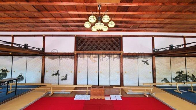 高台寺塔頭 圓徳院の南庭(なんてい)前にある襖絵と募金箱