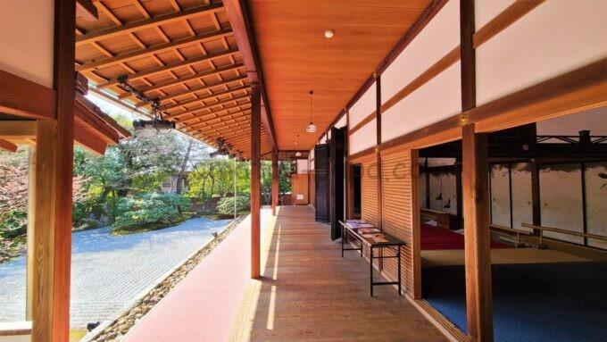 高台寺塔頭 圓徳院の南庭(なんてい)の雰囲気