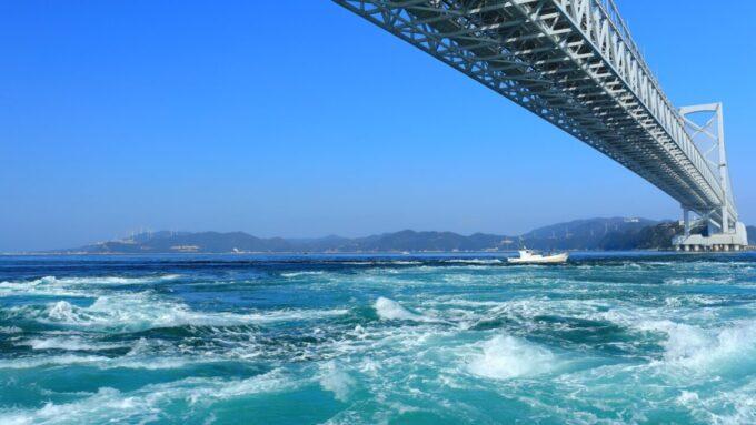 鳴門の渦潮(徳島県)