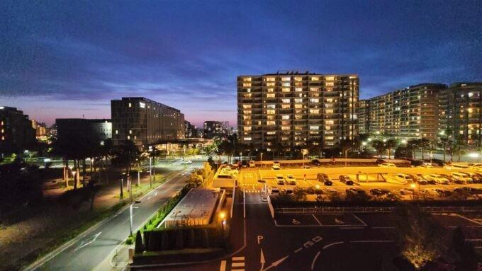 東京ディズニーセレブレーションホテル ウイッシュのスーペリアルームからの夜景(マンション方面)