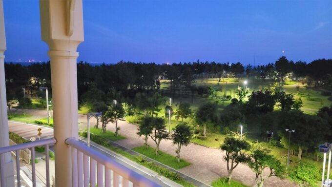 東京ディズニーセレブレーションホテル ウイッシュのスーペリアルームからの夜景(海側と浦安市総合公園方面)