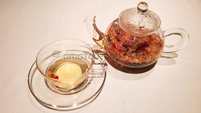 シルクロードガーデンのオリジナルブレンドティー(ジャスミン工芸茶、バラの花びら、クコの実)
