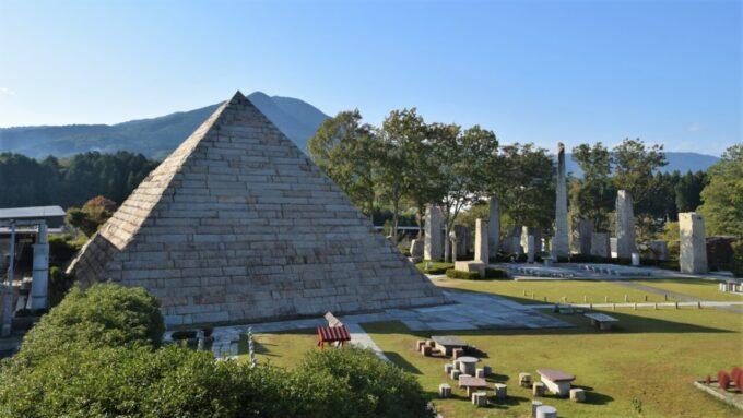ストーンミュージアム博石館のピラミッド