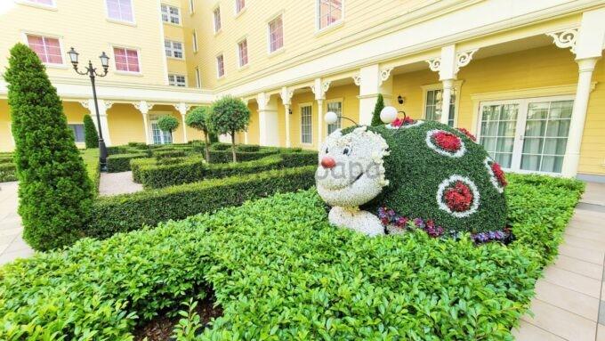 東京ディズニーセレブレーションホテル ウイッシュの中庭のてんとう虫