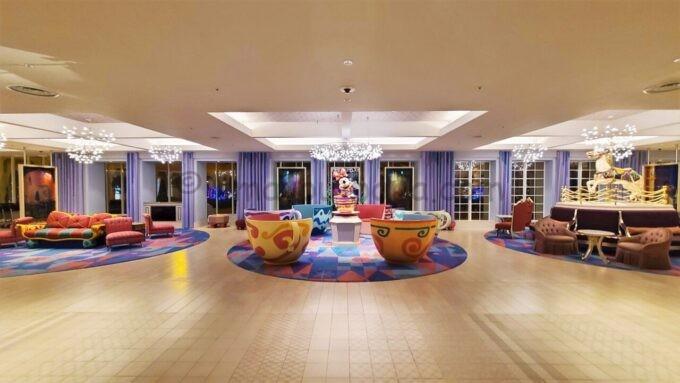東京ディズニーセレブレーションホテル ウイッシュのロビーの雰囲気