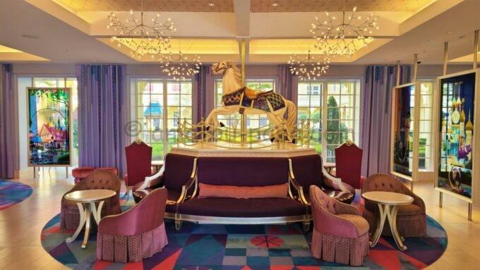 東京ディズニーセレブレーションホテル ウイッシュのロビーにあるキャッスルカルーセル