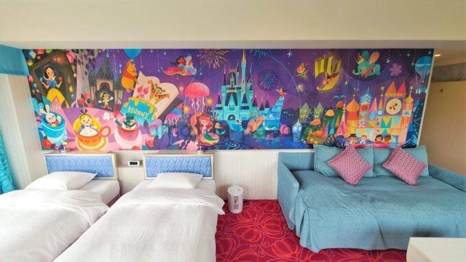 東京ディズニーセレブレーションホテル ウイッシュのスーペリアルームの壁