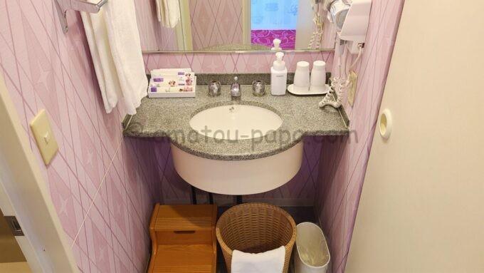 東京ディズニーセレブレーションホテル ウイッシュのスーペリアルームの洗面台
