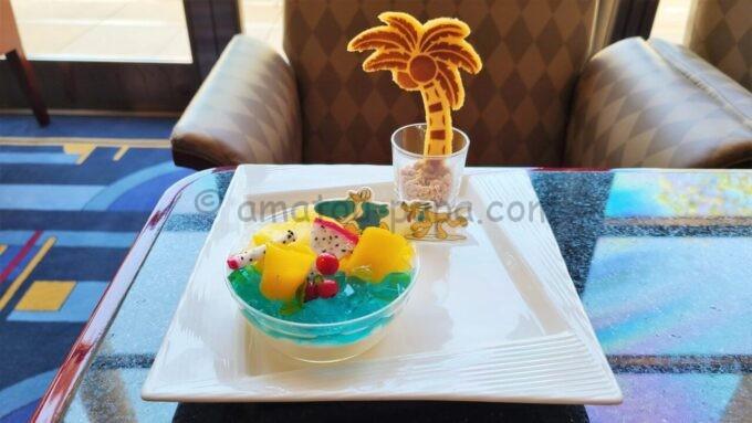 ハイピリオン・ラウンジの期間限定ケーキセット(ディズニーアンバサダーホテル・サマーダイニングケーキセット)
