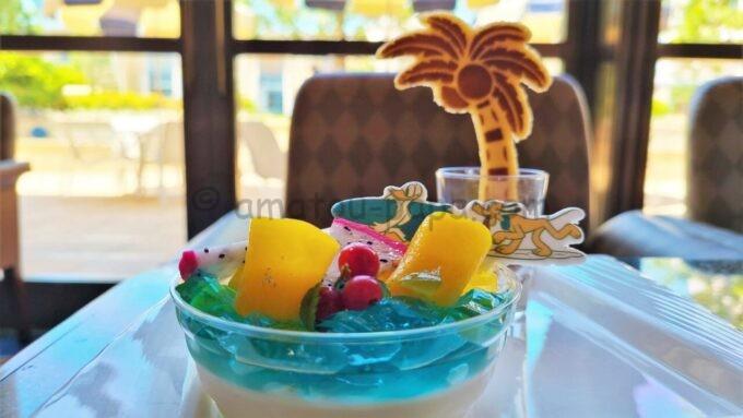 ハイピリオン・ラウンジの期間限定ケーキセット(ディズニーアンバサダーホテル・サマーダイニングケーキセット)の拡大写真
